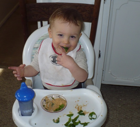 David eating spinach and hummus
