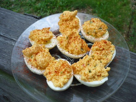 diabolically-deviled-eggs