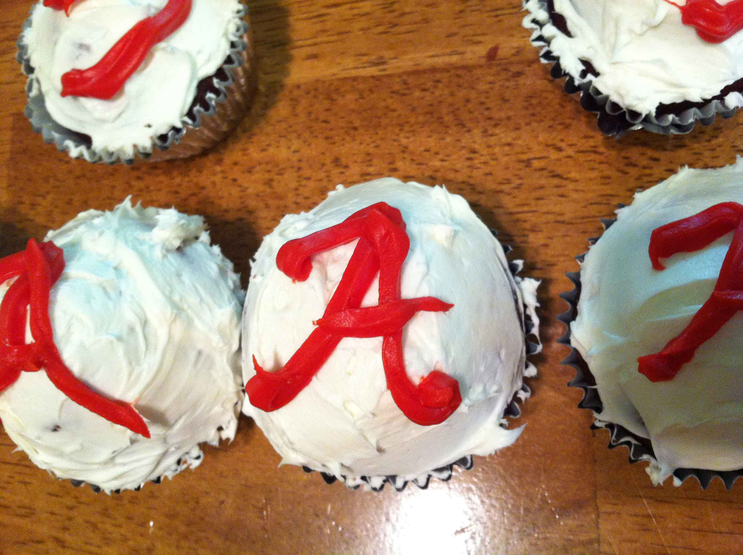 Getting Ready for Foodball: Georgia and Alabama Gluten Free Cupcakes