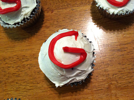 gluten free cupcake recipe with letter G